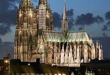 Bauwerke / Beeindruckende architektonische Bauwerker