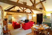 Newfield Holiday Cottages  / Historic Barn in Dorset. Accommodation to sleep between 2 and 19 people. Rural setting yet close to attractions and beaches. Dog friendly accommodation. Perfect large group accommodation. - http://www.groupstays.co.uk/