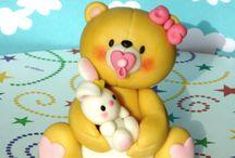 Teddy bears figures and cakes