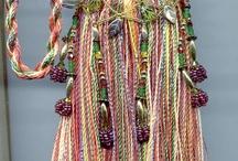 Art - Tassels, Pom-Poms & Embellishments