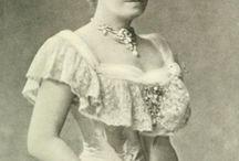 Vie Mondaine 1830-1914