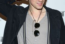 Reeve Carney.