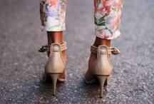 Ankle Straps Heels I Love / by Chantel Gia