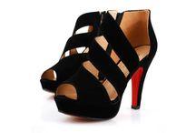 Calçados - Sapatos Femininos da Moda / Calçados Femininos da moda. Confira as novas tendencias em sapatos e sandálias femininas para mulheres de estilo. Saltos altos, botas e rasteiras.