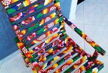 cadeira revestida de chitão