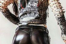 sexy metal vomen