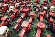 The invasion of wee tractors!