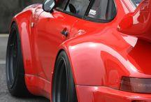 Porsche / Red