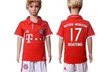 Billige Bayern München trøje Børn / Billige Bayern München trøje Børn på online butik. Bayern München hjemmebanetrøje/udebanetrøje/målmandstrøje/trøje langærmet tilbud  med eget navn.