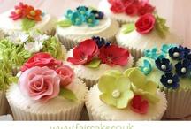 Cupcakes / by Lynn Tomlinson