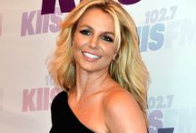 Britney Spears - People's Choice Awards 2014 / http://donnasfitinzia.blogspot.it/2014/01/britney-spears-peoples-choice-awards.html