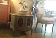 MudPaint Retailer / MudPaint premium vintage furniture paint local retailer pins!  Become a local retailer and expand your business!