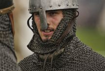 Maille Armour - Replica / Pictures of replicas of medieval maille hauberk by re-enactors.