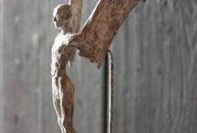 Esculturas, Más