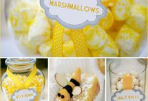 Baby Shower Theme - Mom to Bee / by Annamaria Cysneiros