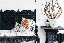 FPP #Black #Garden #Features / From black furniture to black plant pots