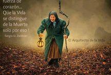 PENSAMIENTOS Y REFLEXIONES / by Amelia Yañez