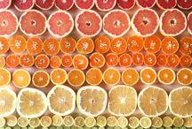 Fruits & vegetables (and more) / Un tableau avec des fruits et des légumes mis en situation... mais aussi des fleurs, des feuilles...