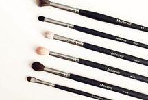 Cosmetics & Kit...