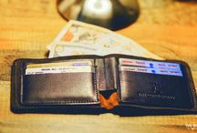 Bi-Fold Leather Wallet / The Bi-Fold Wallet looks like what could be a simple leather wallet from the outside, unfold it and you'll find a surprising construction inside..