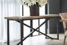 Hallway Decoration / Ideas to style your hallway - console table and mirrors and accessories are a great way to add personal touch to your home!