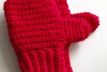 Crochet - Mittens, Gloves, Socks / by Hanne Adelman