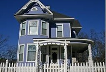 Victorian Style Houses / by Kimberly Farnsworth