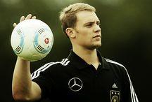 Manuel Neuer / He is half God. I am falling love.