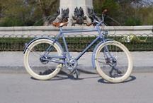 avantum | nuestras bicis / Bicicletas de las marcas que distribuye avantum, bicicletas urbanas y accesorios para bicicletas urbanas. www.avantum.bike