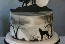 howling moon cake