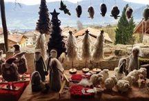 Mercatini di Natale di Rango / Vivi la magia dei Mercatini di Natale nei Borghi più Belli d'Italia del Trentino! Rango piccolo borgo contadino scolpito nella montagna ti aspetta tra stretti vicoli, ampi androni, vecchie legnaie, cortili e porticati che si accendono delle luci del Natale  A Rango il tempo sembra essersi fermato. Un borgo custode di storie, dove riscoprire costumi e usanze e assaporare la vera essenza del Natale.