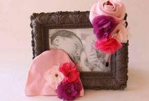ANNE BEBEK LOHUSA TAÇLARI / Doğumdan sonra fotoğraflarınız çekilirken veya bebişinizle gelen misafirlerinizi ağırlarken beraber takabileceğiniz şık taçlar hazırladık. Biz sitemizde örnek olarak bu fotoğrafları yayınlıyoruz fakat sizin istediğiniz özel ürün taç veya bebek bereleri varsa bizlerle irtibata geçerseniz size özel hazırlayabiliriz