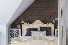 Sypialnia mała i dobrze urządzona / Mała sypialnia to problem dla wielu... Ale nie dla nas! Zobacz gotowe aranżacje małej sypialni: na poddaszu, w stylu country, prowansalskim...