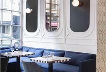 lobby kék kanapé