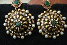 Accessories =) / by Frishta Osmanzada