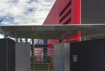 Maligno Industria Arredamenti – Peveragno, Cuneo / Pavimentazioni interne di reception, zone di transito e distribuzione, aree funzionali e di sosta, scale realizzate in gres porcellanato Granitoker, serie Metallica, colore Inox. Project by Arch. Arnaudo