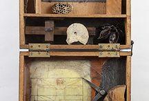 Boxes Art     Titteskap / Miniatyr bokser titteskap med historie samlinger, minner.