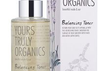 Natural Products for Oily and Problem Skin / Natural organic skincare products we recommend for oily skin and acne.