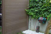 vallas de exterior de madera sinteticas / Nuestras vallas de exterior Deckplanet Fence estan hechas con la misma madera composite con la que se fabrican las tarimas. Estas vallas son ideales para cerramientos y ocultación, pensadas para durar más de 10 años.
