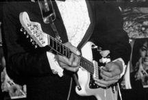 Gitarzyści i gitrary