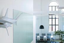 Espace why not blue / Une salle de conférence moderne, epuré et fonctionnelle à découvrir sur aspaces ! http://www.aspaces.ca/espace/espace-why-not-blue/