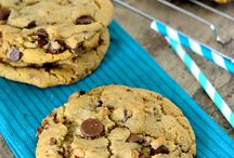Cookies - Chocolate Chip / by Adrianne Gonzales
