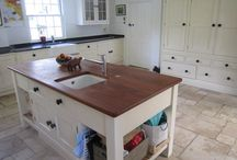 12 Year Old Martin Moore Used Painted Solid Wood Kitchen