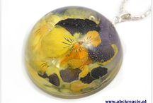 Półkule kwiatowe. / Ręcznie wykonane półkule z prawdziwymi kwiatami w środku. Średnica półkul to 3 cm lub 4 cm.