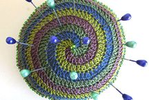 Crochet Gifts / Perfect quick-to-make crochet presents for family and friends