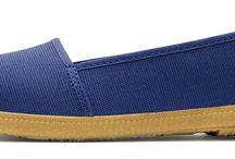 Walk In Pitas / Nuestro Calzado está fabricado 100% en España. Aunamos tradición con diseños modernos y frescos.