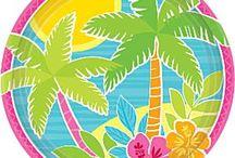Hawaii temafest / Alt til din Hawaii temafest og sommerfest. Her kan du finde Hawaii tallerkener, kopper, servietter, duge, bordpynt, pynt, samt en masse tilbehør til din Hawaii udklædning.