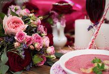 Valentinstag - Rezepte, Dekoration und DIY / Valentinstag - so wird der romantischste Tag des Jahres zum Genuss. Valentins Rezepte, Valentinstags Deko- & DIY-Ideen und schöne Geschenketipps für den Valentinstag. Hier entlang zu aphrodisierenden Rezepten für Valentinstag. Ein Valentinstagsdinner für zwei mit Valentinstags Dessert und Blumen.
