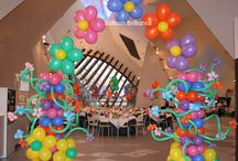Balloon Arches / An entrance arch is the perfect way to entice your guests into the celebration