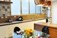 Dúvida da leitora: cozinha pequena com mesa de jantar!